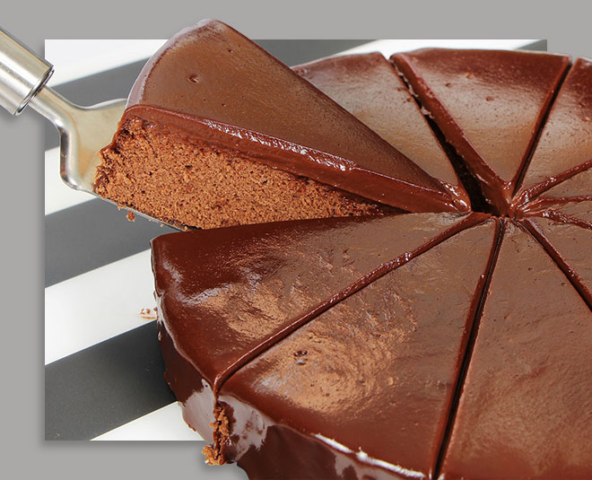 Eggless Chocolate Cake Easy Recipe