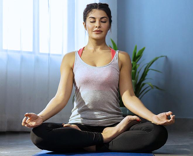 jacquline yoga for beautiful skin main