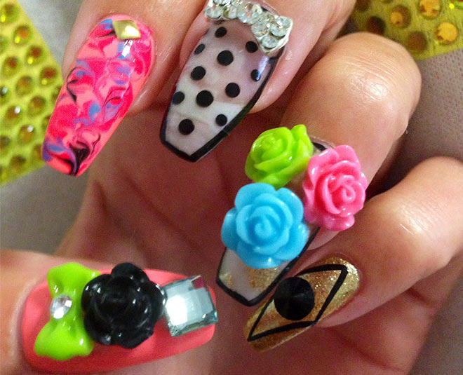 decorative nail art  main