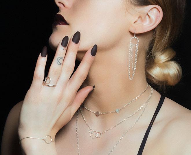 fashion statement with minimalist daily wear jewellery MAin
