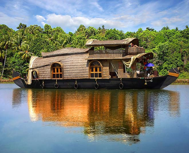 holiday vacation in kerala main
