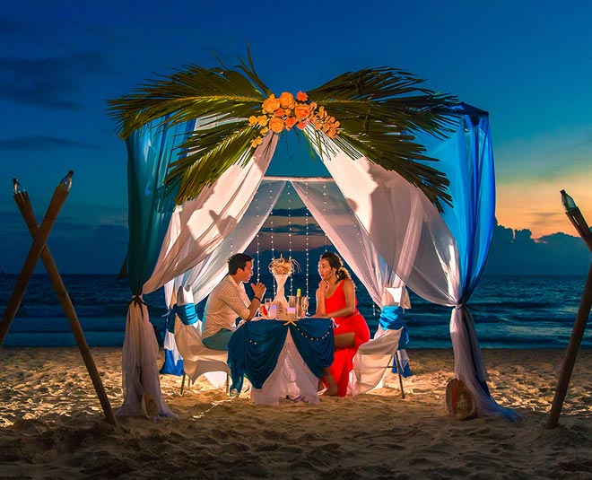 Planning To Visit Goa Anytime Soon? Must Explore These Places For A  Romantic Dinner