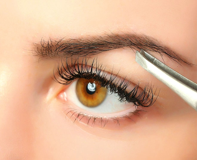 get perfect eyebrow shape at home with tweezers main