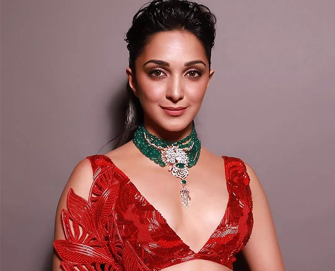 kiara advani red bold bridal look