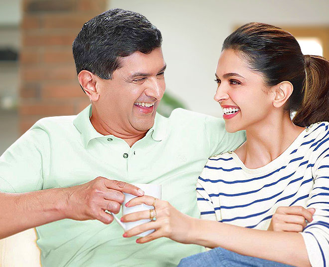 Deepika Padukone Picture With Father latest