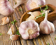 how to peel garlic quicker thumb