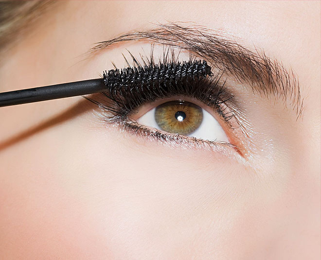 c68f4aa4451 Always Wanted Long Eyelashes? Try These 5 Easy Home Remedies