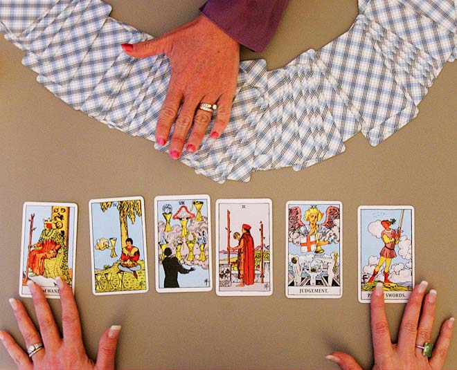 tarot card reading know future this week main