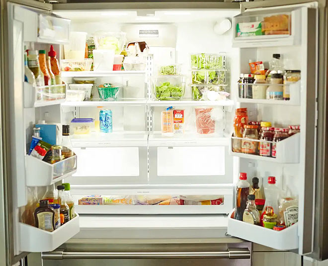 tips to clean the fridge and remove smell main