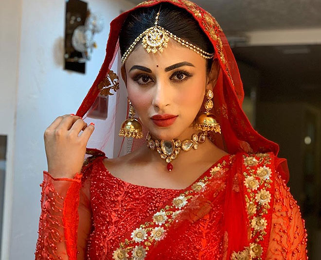 mouni roy bridal mangbendi