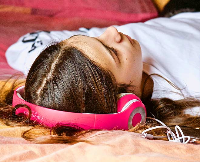 Can't Sleep At Night? Expert Says Music Therapy Is Your Answer!