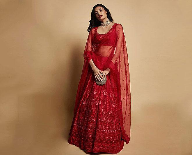 Bridal Lehenga: Fom Madhuri Dixit To Sonam Kapoor Get Inspired From Stylish  Lehengas Of 5 Bollywood Actresses In Hindi