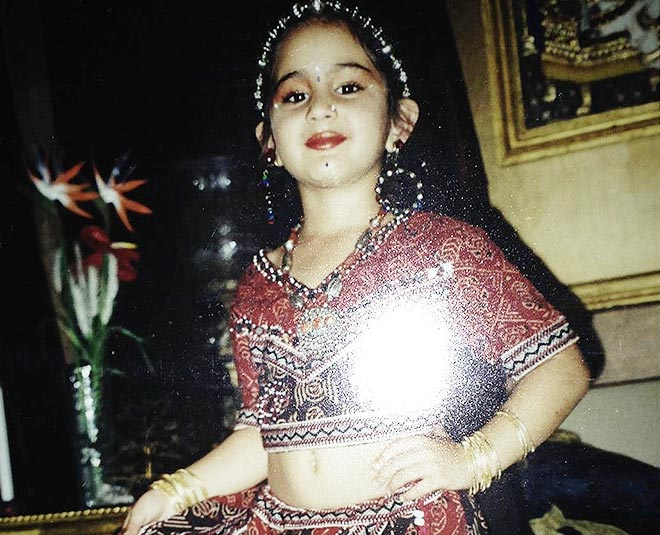 sara ali khan childhood pictures in rajasthani traditional outfits m