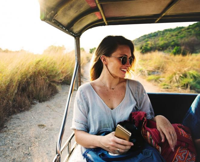 skincare while travelling