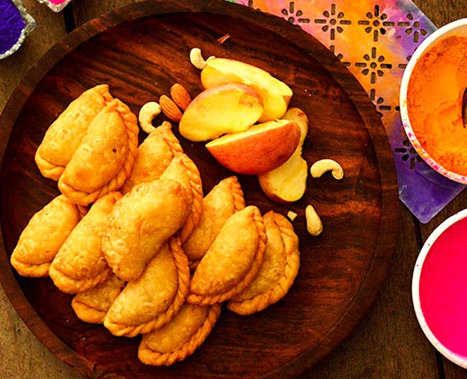 about  types of gujiyas main