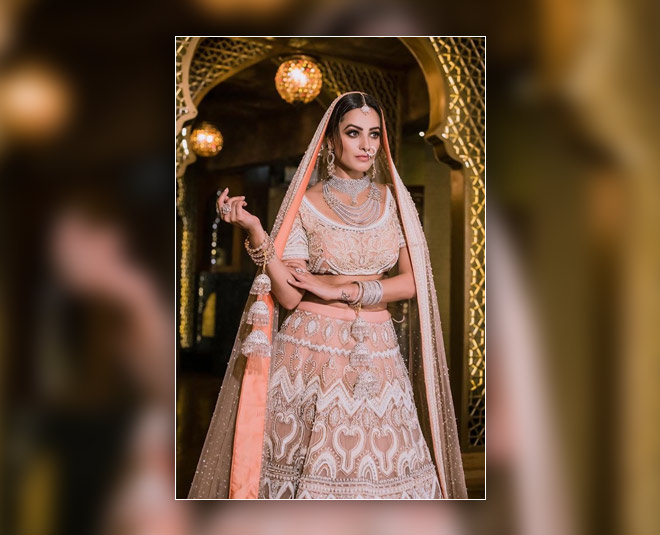 anita hassanandani bridal look festive season dress inside