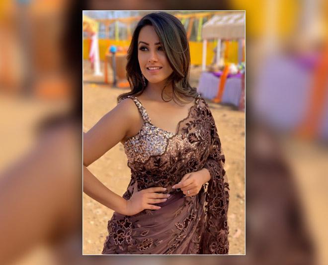 anita hassanandani glamorous saree inside