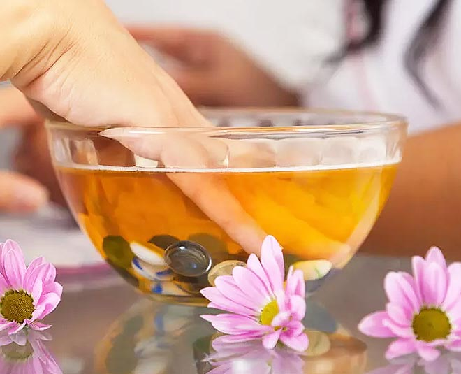 benefits of hot oil manicure Main