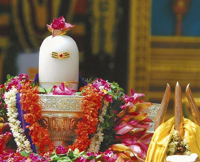best time to pour water on shivling
