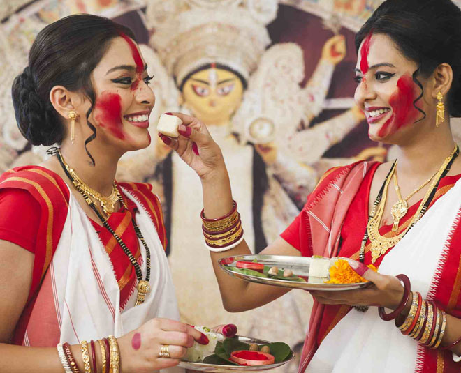 durga puja  wear bengali saree and makeup inside