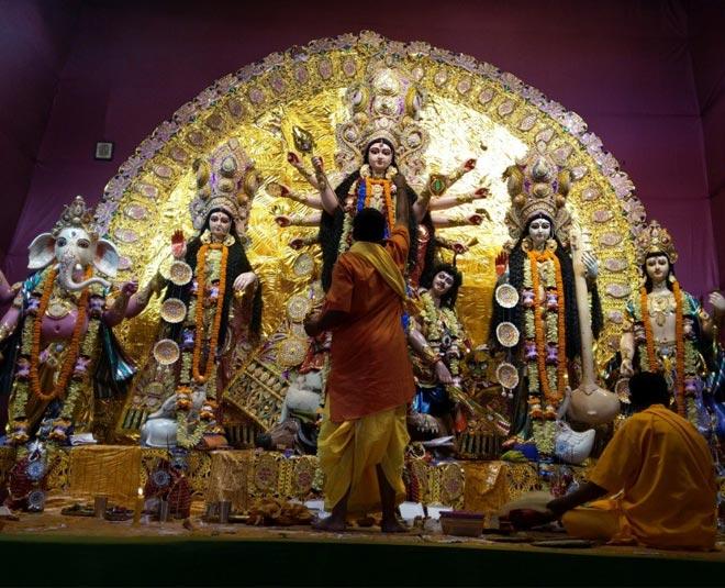 durga puja must visit  durga pandal in delhi main