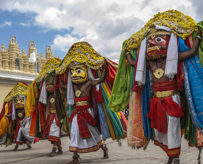 what to do on dussehra main
