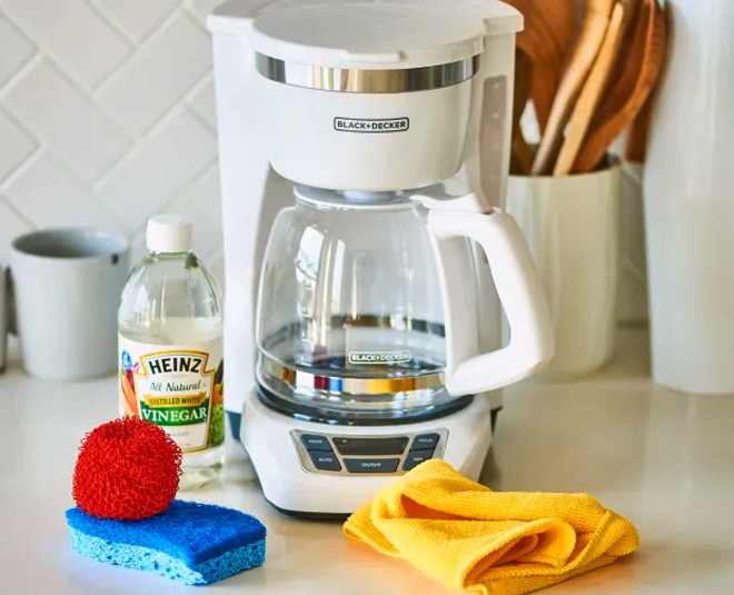 Know how to clean coffee maker in easy way main