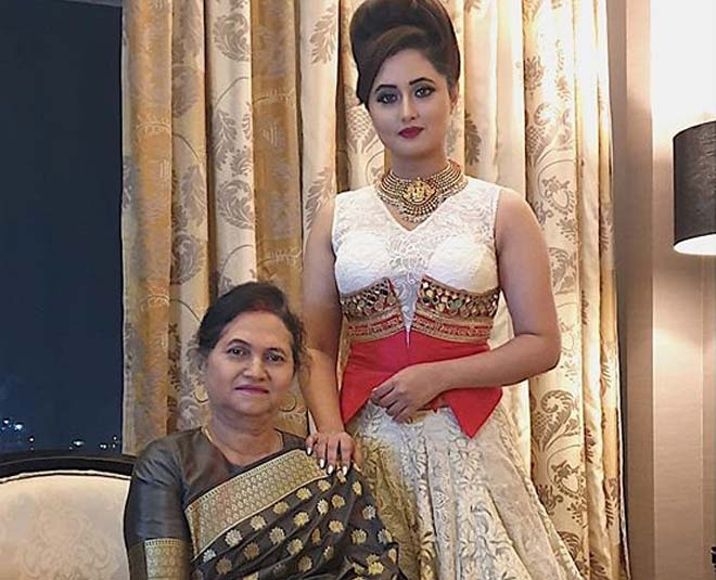 rashami desai with mother rasila desai main