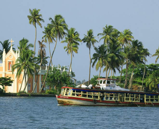 best places to visit kumarakom