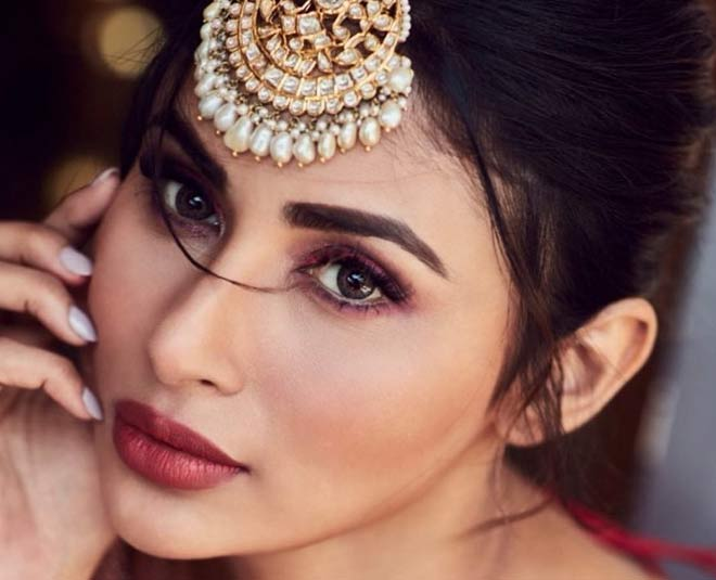 mouni roy beauty main