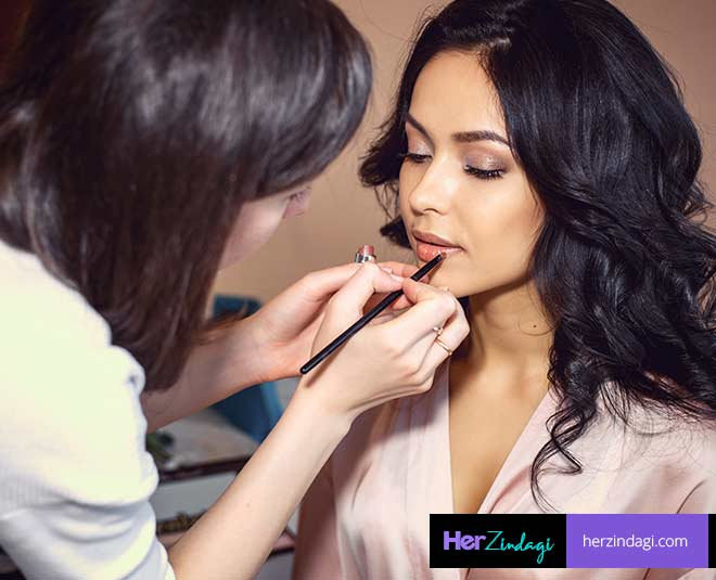 select right makeup artist main