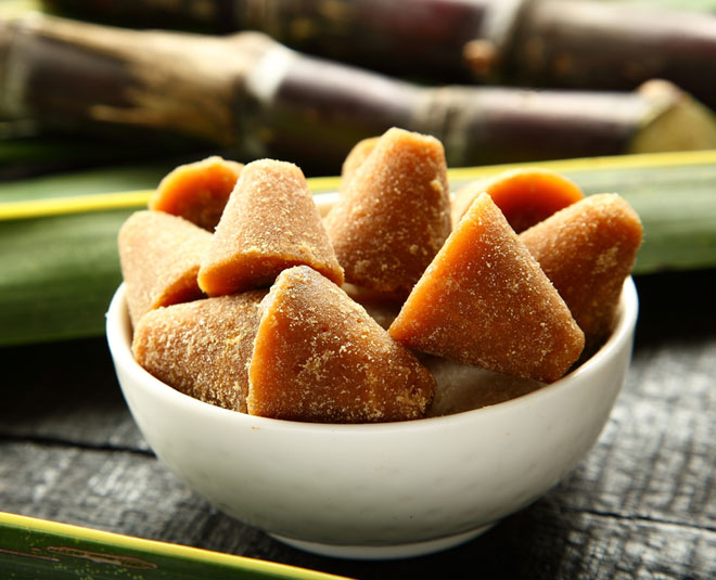 benefits of having jaggery with warm water m