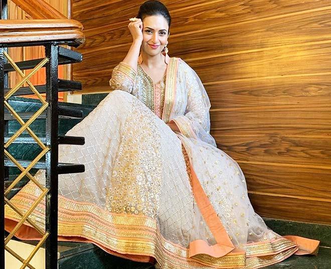 tv actress divyanka tripathi beautiful looks main