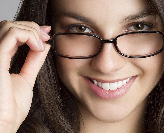 रोज खाएं यह 3 चीज, चश्मा कभी नहीं लगेगा