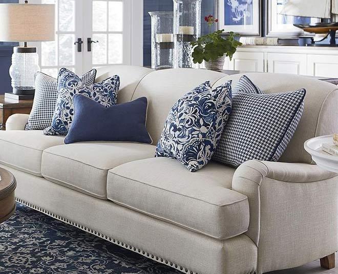 Ways to Arrange Cushions