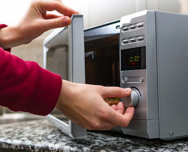 mistakes while using microwave