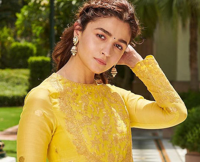 alia bhatt beautiful in yellow dress main