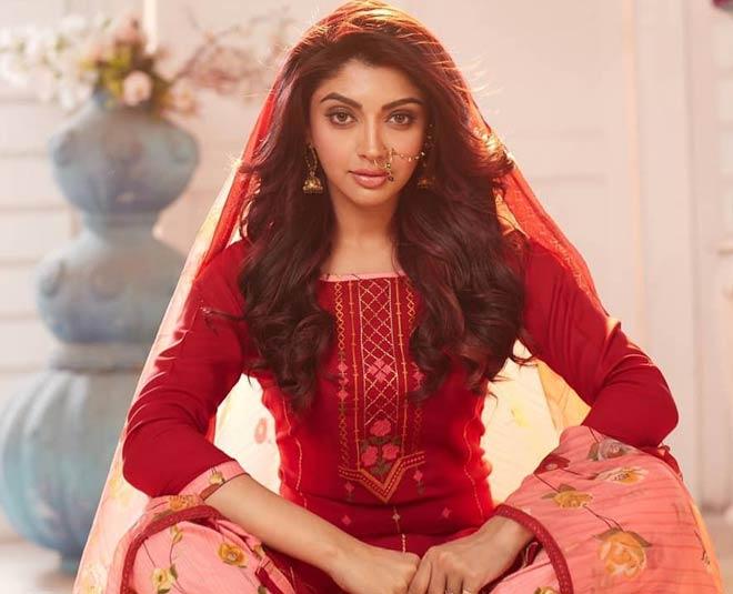 paras chhabra ex girlfriend akanksha puri in radhakrishn main