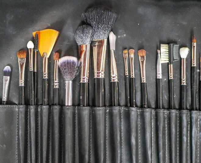 makeup brush main