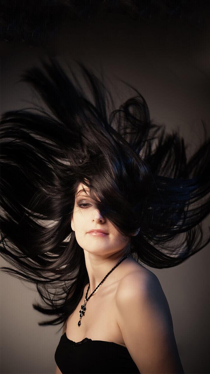 बालों को सिल्की बनाने के 7 आसान घरेलू उपाय