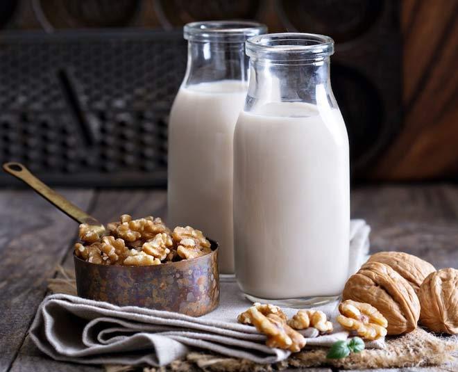 benefits of walnut with milk