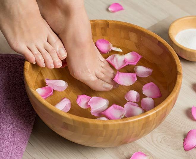 benefits of washing feet main