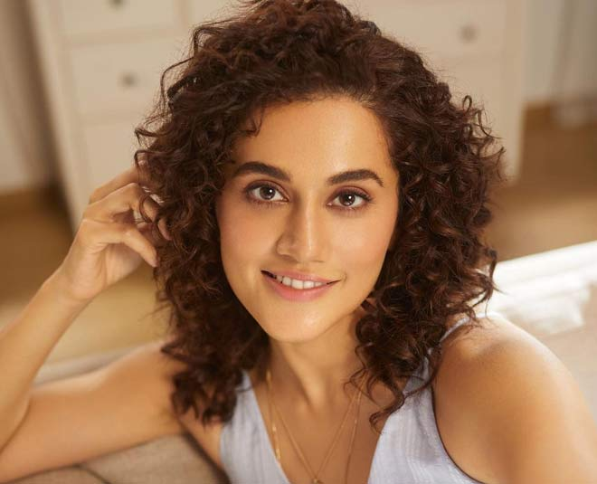 Kareena Kapoor Khan Or Deepika Padukone, Can You Guess ...