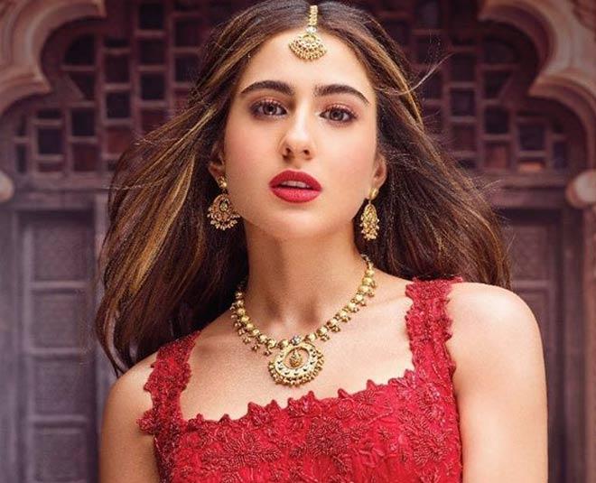 Sara ali khan earing main