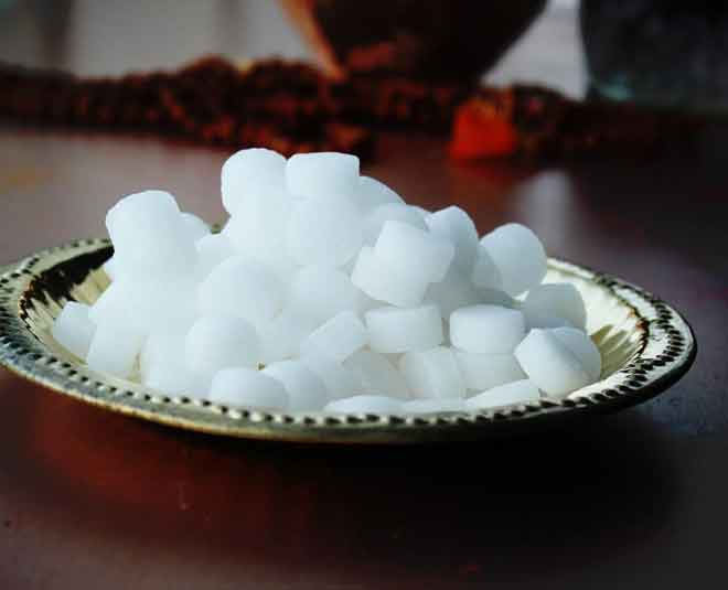 camphor benefits health main
