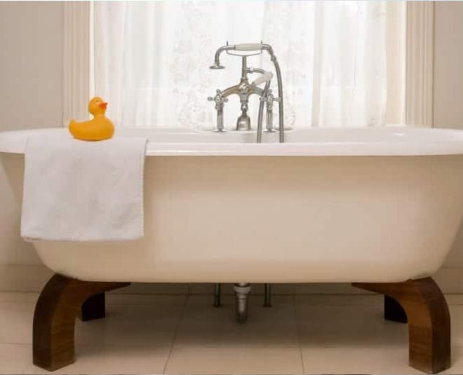how to clean bathtub tips