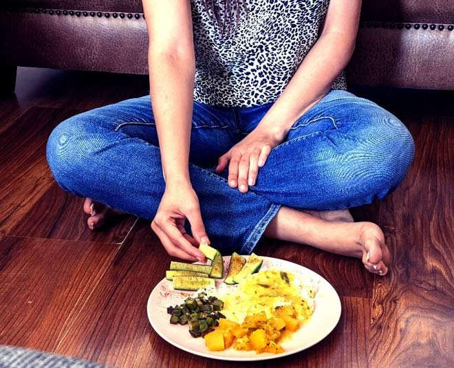 right way of eating food