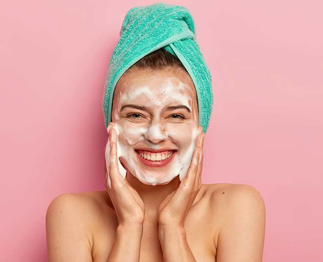 benefits of using face wash