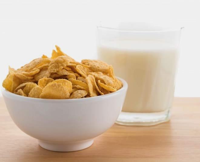 milk cornflakes breakfast