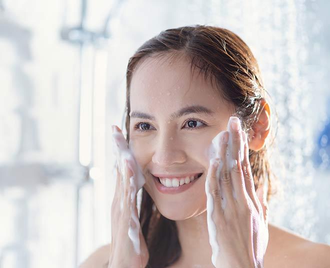 best oily skin facewash in india